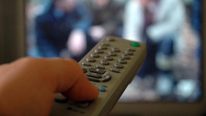 """Radyo ve televizyonlara 90 dakika """"eğitici yayın"""" zorunluluğu"""
