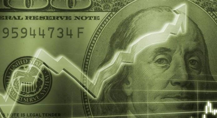 Dolar/TL tatil sonrası sert dalgalandı