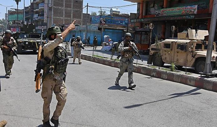 Afganistan'da intihar saldırısı: 3 NATO askeri öldü