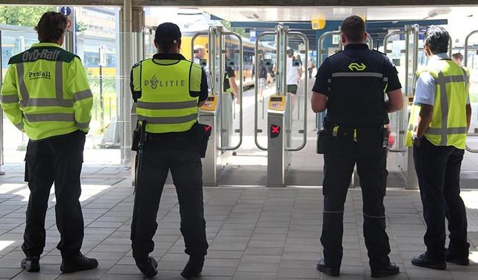 Hollanda'daki bıçaklı saldırının terör saldırısı olduğu açıklandı