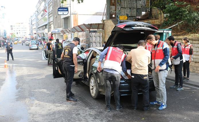 """İstanbul'da """"Türkiye Güven Huzur-5"""" uygulaması"""