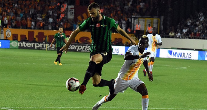 Galatasaray, Akhisarspor'a 3-0 yenildi