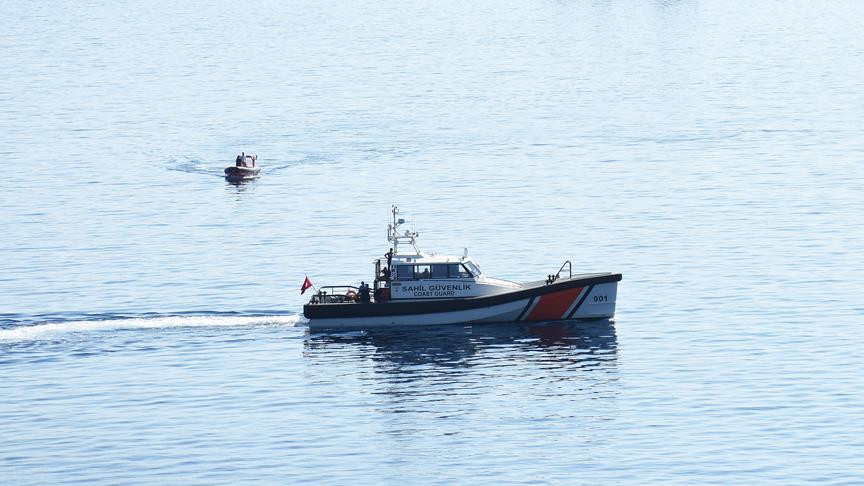 Edirne'de düzensiz göçmenleri taşıyan bot battı