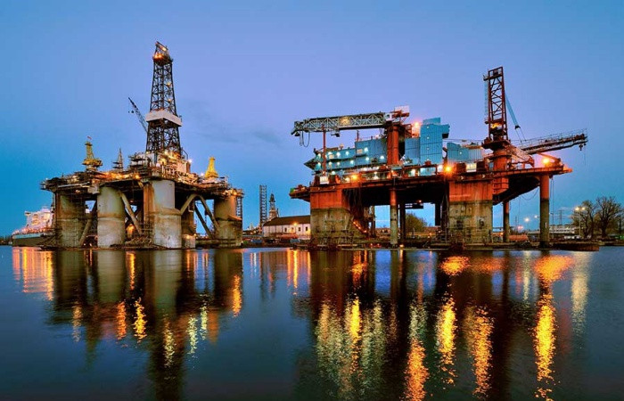 Petrol fiyatı yüzde 1'den fazla düştü