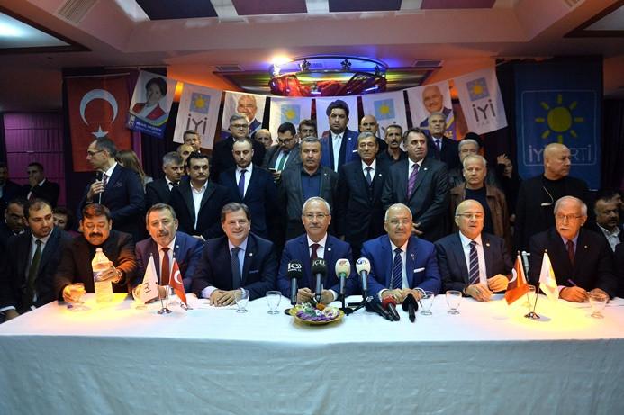 MHP'den istifa eden meclis üyeleri İYİ Parti'ye geçti