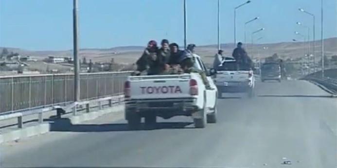Suriye: YPG'liler Menbiç'ten çekiliyor