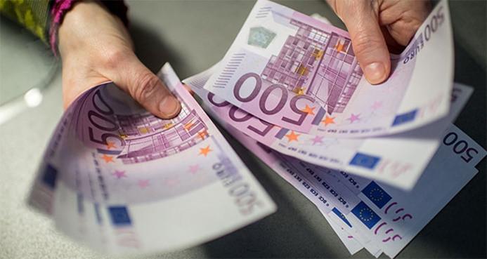 Yunanistan'da asgari ücrette artış