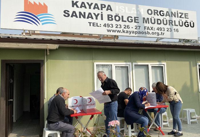 Kayapalı sanayicilerden Kızılay'a destek
