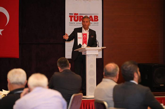 TÜRSAB Başkanı Bursalı seyahat acenteleriyle buluştu