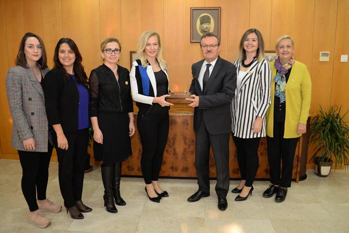 Üniversite sanayi ortaklığına iş kadınları desteği