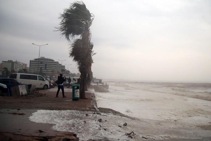 Meteorolojiden Akdeniz için fırtına uyarısı