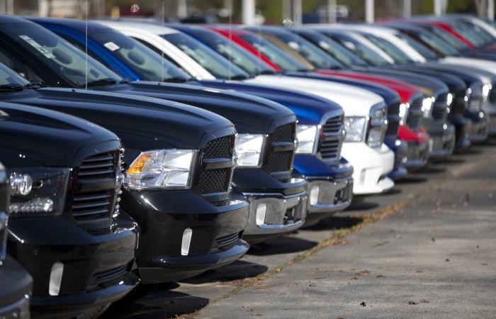 Avrupa otomobil pazarı daralmayı sürdürdü