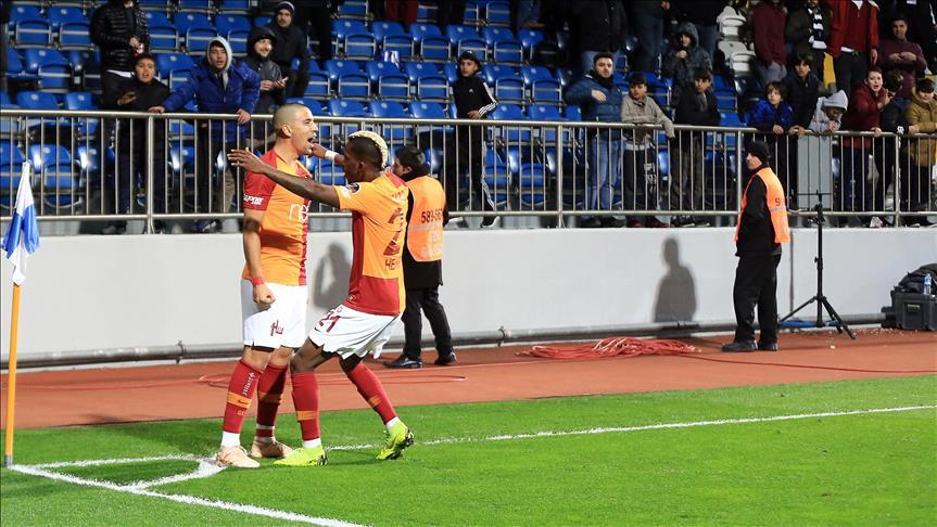 Galatasaray'ı Feghouli sırtladı