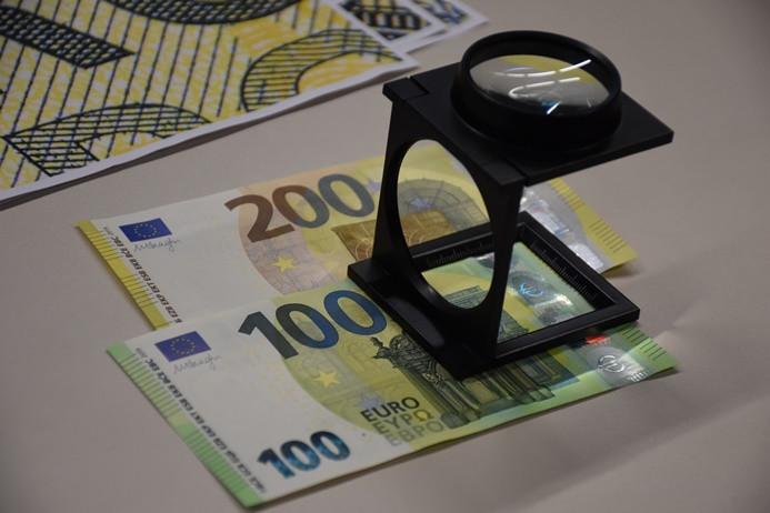 Yeni euro banknotlar tedavülde