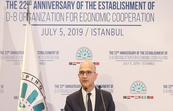'Türkiye, D-8'in dayanıklı bir örgüt haline gelmesine özel önem atfetmektedir'