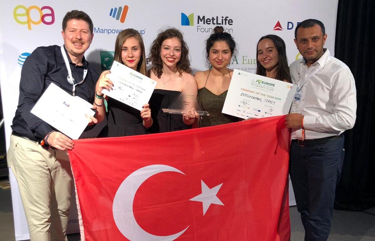Liseli girişimciler 'Avrupa Şampiyonu' oldu
