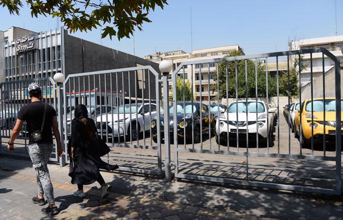 """İran'da otomotiv sektörü """"koma""""da"""