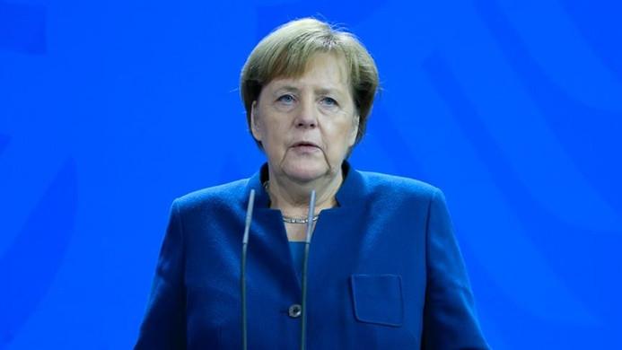 Merkel'den evde kalma uyarısı