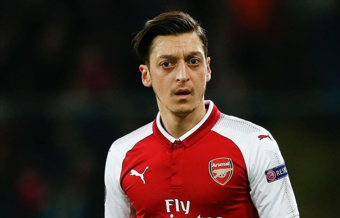 Mesut Özil isyan etti