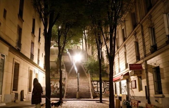Fransa'da sokağa çıkma yasağı genişletildi