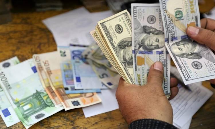 Dolar 8 TL'yi geçti, euro 10 TL yolunda