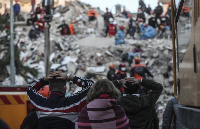 Bakan Koca: Depremde zarar görenler için 184'ü arayın