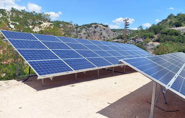 Uşak'ta köylülerin kurduğu güneş paneli, su faturalarını azalttı