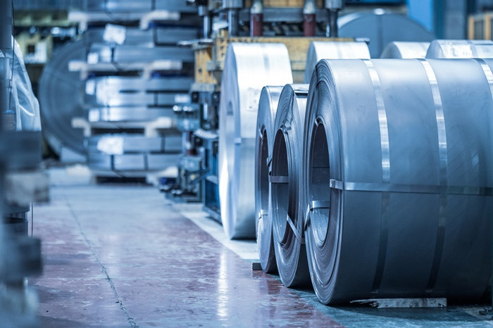 AB çelik ithalatında anti-damping vergilerini artırdı