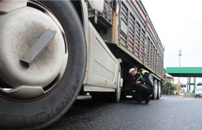 """''Kaçak ağır vasıta lastikleri sektöre darbe vurdu"""""""