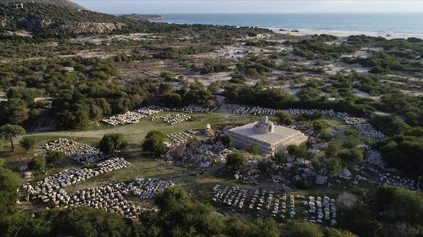 Patara'daki deniz feneri yeniden ışık verecek
