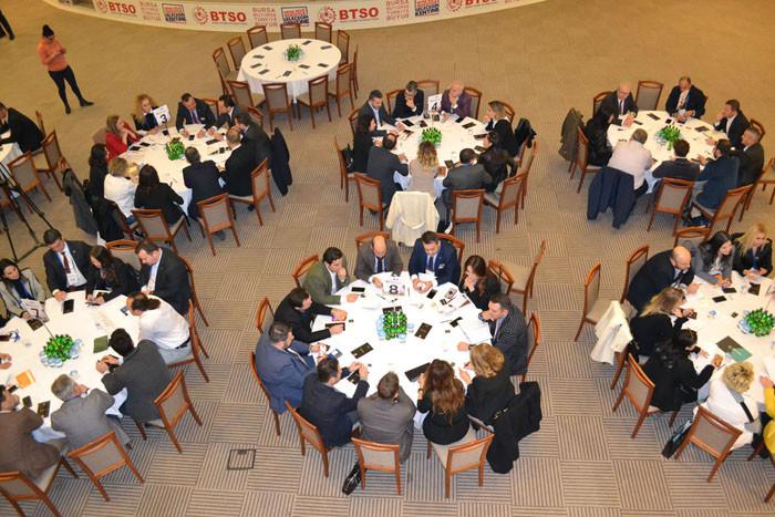 90 üye yuvarlak masada işbirliği fırsatları aradı