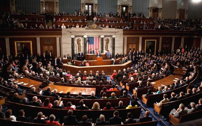 """ABD Senatosu 2 trilyon dolarlık """"tarihi"""" teşvik paketini onayladı"""