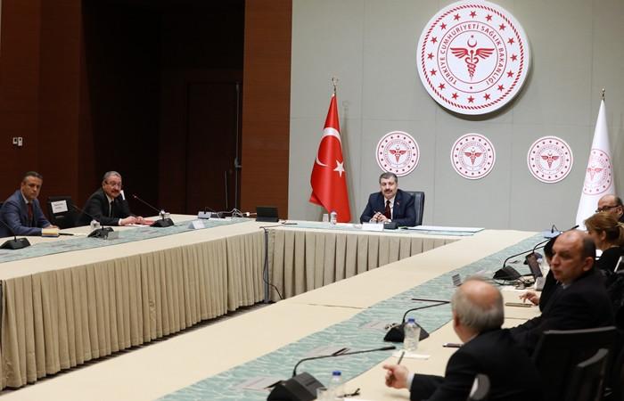Türkiye'de can kaybı 92'ye, vaka sayısı 5 bin 698'e yükseldi