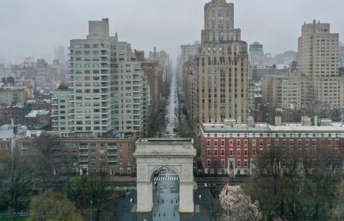 New York'ta ölenlerin sayısı 1000'i geçti