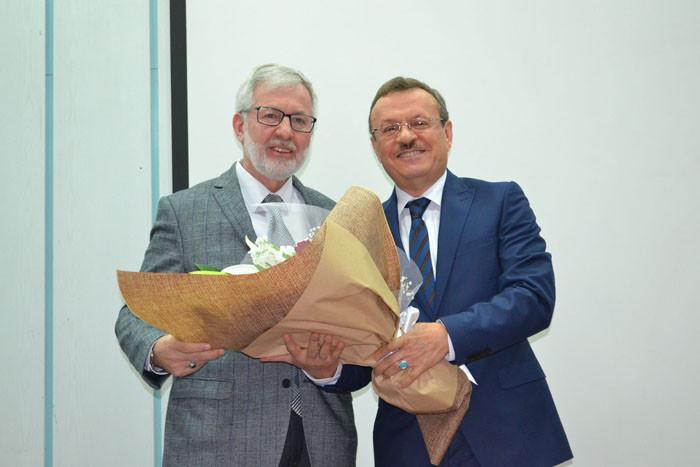 Prof. Dr. Kılavuz, rektörlük görevine başladı