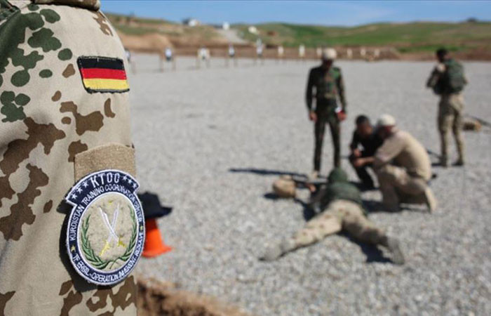 Almanya Irak'ta verdiği eğitimi askıya aldı