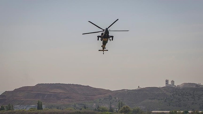 Hindistan'dan Afganistan'a 2 helikopter