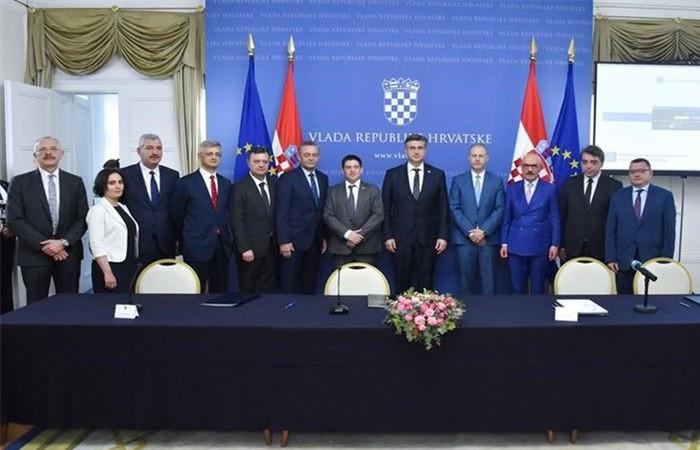 Cengiz, 400 milyon euroluk projeye başlıyor