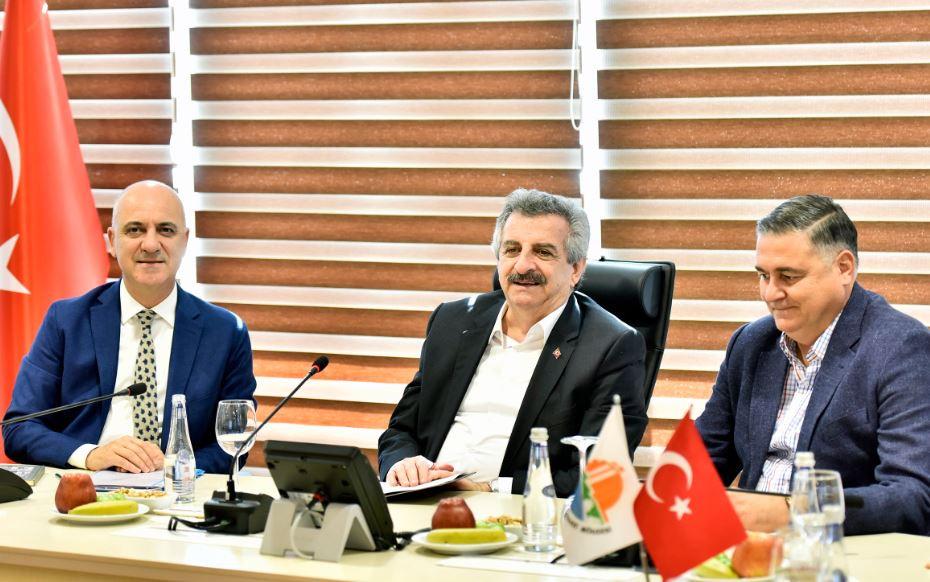 Bakan Yardımcısı Büyükdede, Antalya OSB'yi ziyaret etti