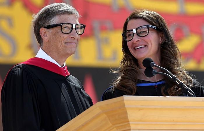 Bill Gates yeni mezun gençlere seslendi!
