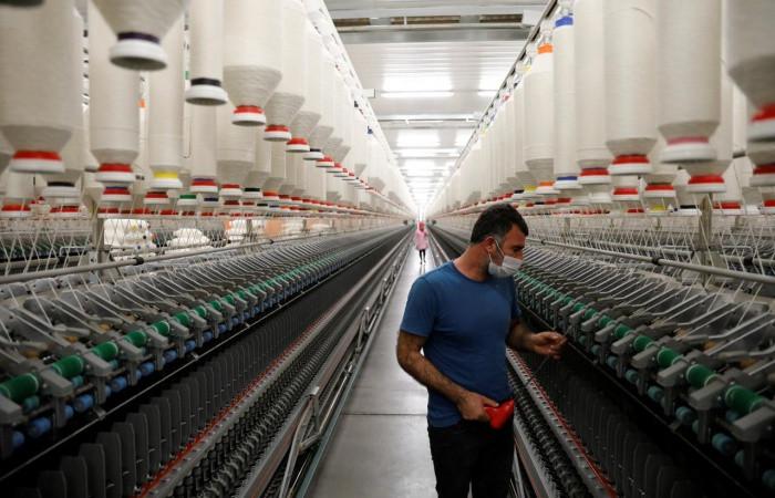 Sinop'ta tekstil firmaları üretime geçti