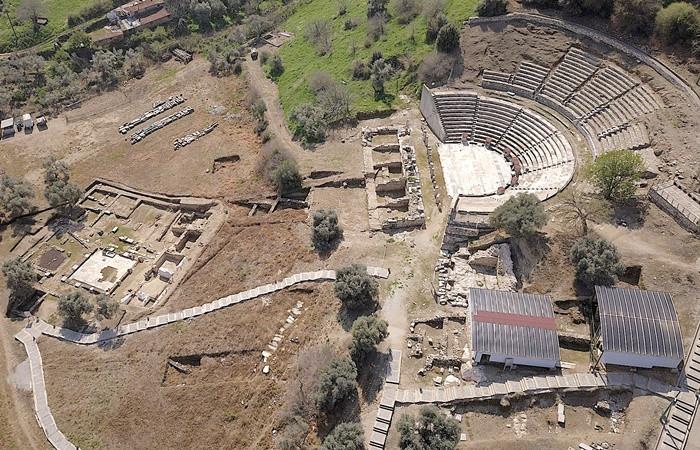 Metropolis antik kenti kazı çalışmaları 30. yılında