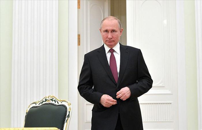 """Putin'den referandumun bitmesine bir gün kala """"oylamaya katılın"""" çağrısı"""