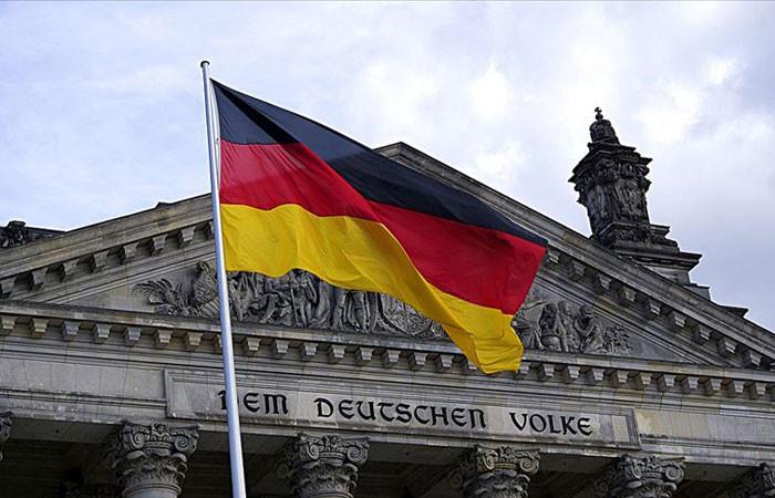 Almanya'da fabrika siparişleri nisanda yüzde 25,8 azaldı