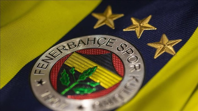 Fenerium 2020-21 Fenerbahçe formalarını satışa sundu