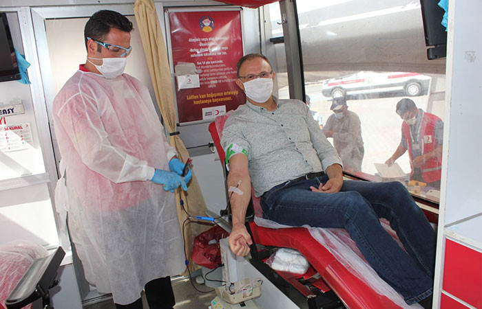Konya iş dünyasından Kızılay'a kan bağışı