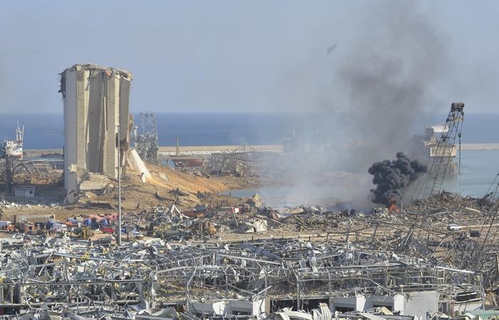 Beyrut'taki patlamada elektrik kurumu binası yıkıldı, Orient Queen yolcu gemisi battı