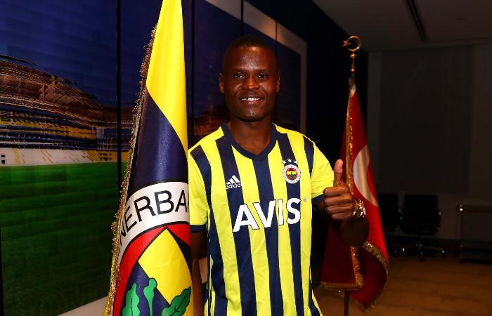 Samatta resmen Fenerbahçe'de