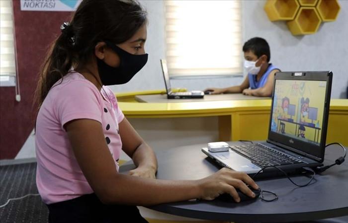 """""""3 milyon öğrencinin interneti, 754 bin öğrencinin de televizyonu yok"""""""